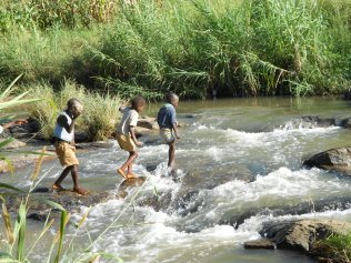 RCSC - Malawi - Mudi River Footbridge Project - (P) 2 Crossing Point - October 2012