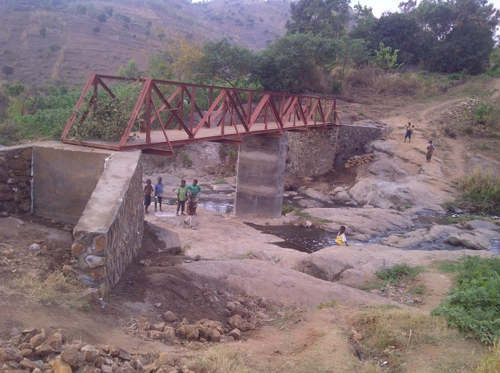 RCSC - Malawi - Mudi River Footbridge Project - (P) Footbridge Nears Completion - September 2014